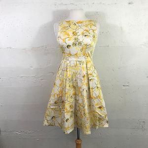 Muse Yellow Sunflower Print Dress W/ Pockets Sz. 4